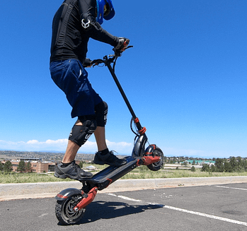 Turbowheel lightning + electric scooter for long commutes